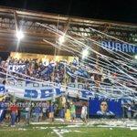 Foto: La hinchada emelecista en el Estadio P.Sandiford de Durán, previo al amistoso Ferroviarios vs. Reservas Emelec http://t.co/5pC0Yzv9bj