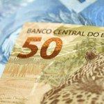 Um bilhete acerta os números da Mega-Sena e leva R$ 61 milhões. http://t.co/JmXWOflDKx http://t.co/wZchEpPWgT