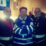 RT @MapleLeafs: #TMLtalk photo: Master Corporal Sarkis and Warrant Officer Sarkis with Mike Myers http://t.co/AHt5D6Uh5Z