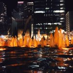 RT @bobinchakABC7: The Daley Plaza fountain is lit up for Halloween! #Chicago http://t.co/kc5MMIEOWz