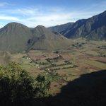 uno de los 2 # volcanes en el mundo donde en su #crater hay una poblacion # Pululahua #quito #AllyouneedIsEcuador http://t.co/lXDcjEFj7A
