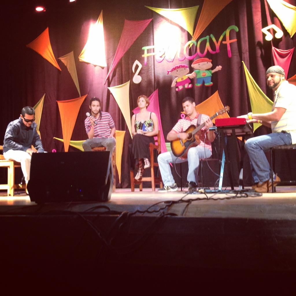 Gran show acústico para nuestro apreciado #PuertoCabello y hermanos de Fancarf!! Junto a la hermosa @lecocoramos http://t.co/eBtNq9T8oq