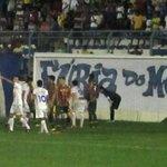 O Sampaio não sofria 4 gols em uma partida desde 02/02/12: Bacabal 4x3 Sampaio, pelo Campeonato Maranhense. http://t.co/YacThpPq74