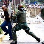 """PARA QUE NO HAYA MAS DE ESTO! #BarrotazoXLaLibertad #Venezuela #ChileConVenezuela #TodosSomosVenezuela http://t.co/JLaavx0GCV"""""""