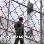 Este es el pronunciamiento de Leopoldo López desde su celda en Ramo Verde http://t.co/6Fflnnfn5O http://t.co/Rroo6ZUNC6
