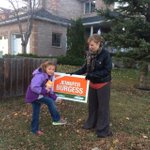 Out door knocking with @JBurgessNDP tonight. Sylvie helps put up a sign. #yycfoothills #abndp #ableg http://t.co/4Ryhi1CFmG
