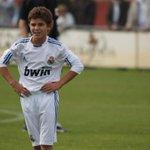 Conocé al pibe de Calchín que llegó a Real Madrid pero no deja su pueblo. La cuenta @cholito82 http://t.co/xmknl4CBwv http://t.co/eG0LBO5pKf