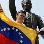 Extraoficial: Leopoldo López pudiera ser traslado a una cárcel del interior del país http://t.co/N9o67V2WbK http://t.co/f79Zpxz1qh