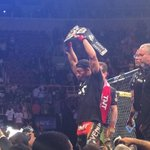 RT @canalCombate: CAMPEÃO! Valeu, @josealdojunior! #UFCnoCombate http://t.co/f8pGTFQhLg