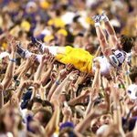 Unreal #LSU shot of Trey Quinn, courtesy @ESPNChing #College #CrowdSurfing http://t.co/jaoVd0kaby