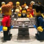RT @g1: Debate presidencial entre Dilma e Aécio ganha versão em Lego http://t.co/v8lMMJvy9V #Eleições2014 #G1 http://t.co/1G1iPSe1rM
