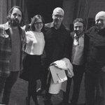 http://t.co/9x9D6qco74 RT @RobSchrab: @drdrew @LisaLoeb @realphilhendrie @drunkhistory @duncantrussell @derekwaterss Who's in this picture?