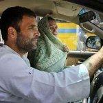 RT @rakeshbhakna: @digitalbharat @Swamy39 @digvijaya_28 @nitin_gadkari Rahul without seat belt ! Is this not a traffic rules violation http…