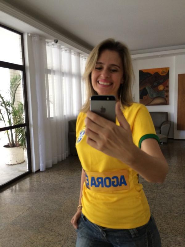 Já pronta pra votar pelo meu país #AgoraÉAécioBrasil http://t.co/sqXKVZTgwT