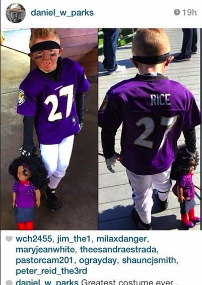 "Why would you dress your kid like this? ""@necolebitchie:   http://t.co/PQykjY2orB http://t.co/nGE4Ko82Jq"""