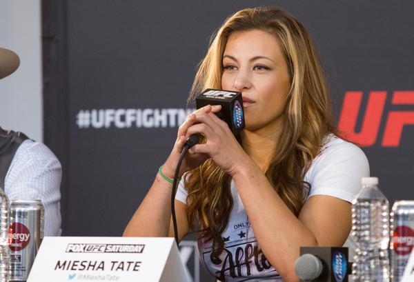 .@ufc 2nd ranked women's bantamweight  fighter @MieshaTate will wave the green flag to start the #Goodys500 http://t.co/wpnmTQucaD