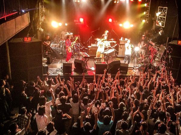 神聖かまってちゃん@福岡BEAT STATIONありがとうございました! すっごく良いライブでした!感動!! http://t.co/hVrneBMhjA