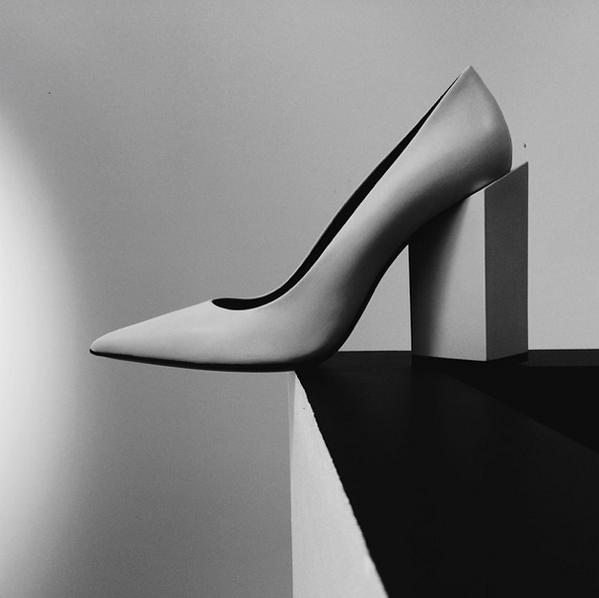 The Monolithe heels by Pierre Hardy. #pierrehardy #monolithe #fashion http://t.co/oxye8r9c5B