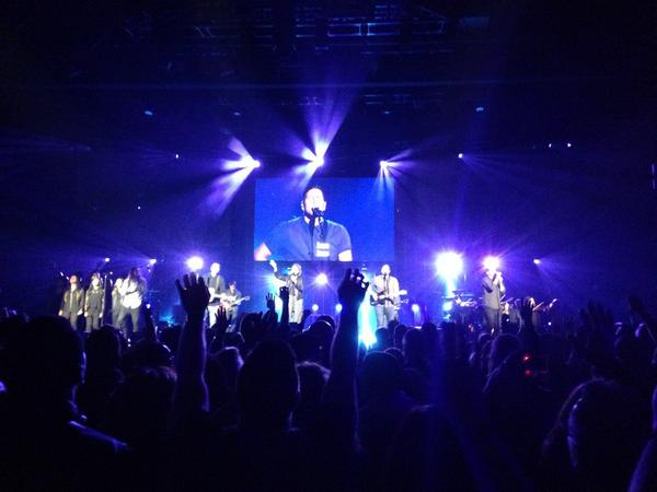 """""""Spirit lead me where my trust is without borders..."""" Amazing worship tonight at #HillsongConf http://t.co/IWXFae85JC"""