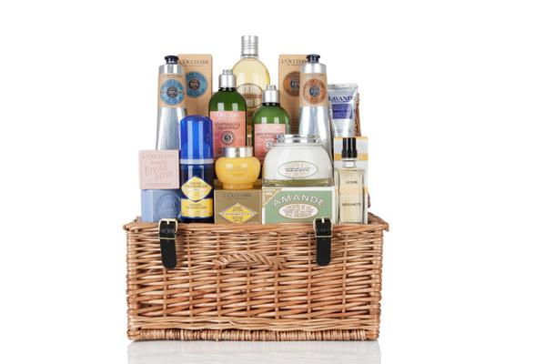 #Win a @LOCCITANE_UK hamper worth £100 RT & follow to enter http://t.co/oFAzNKo2pX http://t.co/FuByRoicbb