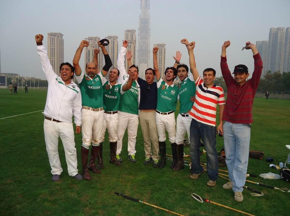 #Pakistan trumps arch-rival #India 9-8 in Zone D play-off to qualify for the FIP World #Polo Championships 2015. http://t.co/AU2H2UrUP8
