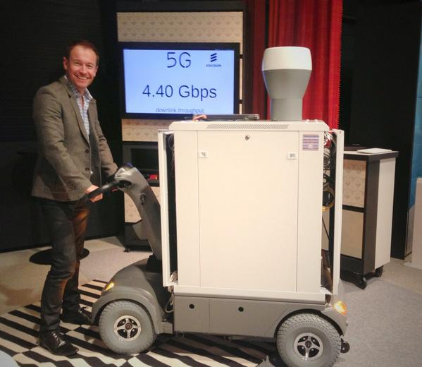 .@ericsson unveils the first 5G mobile device - now they just need to make it a bit smaller... http://t.co/Qqs9HXBR8I