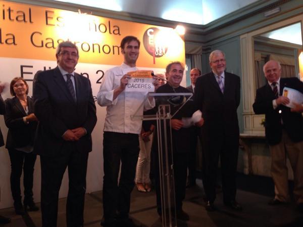 La ciudad elegida #CapitalGastronómica  es ¡Cáceres! ¡¡Enhorabuena!! http://t.co/xtULpHunSH