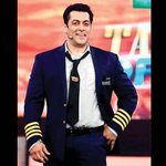 RT @BollyMastiMania: TRP: BiggBoss8 does not live up to mark. Too many TV ppl. Salman Khan alone cant make it Hit http://t.co/Q8tgzWRCcp ht…