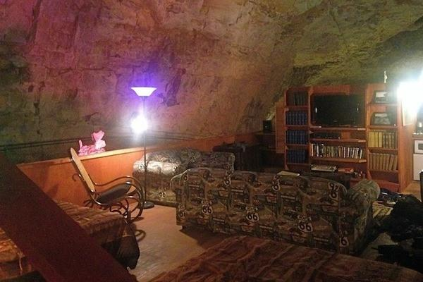 Creepy... RT @atlasobscura: The Deepest, Darkest, Oldest, Loneliest Hotel Room in the World http://t.co/ogJMohEtQY http://t.co/FbWRYite2j