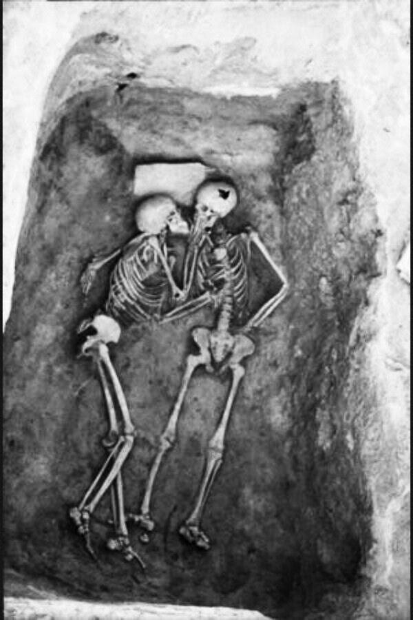 A farewell kiss from ancient history http://t.co/Tm8ODY35WD #archeology http://t.co/Kqq2Q3BPmW