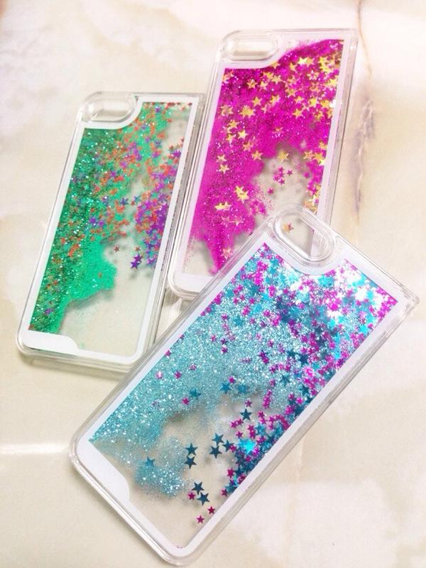 ★星の砂iPhoneケース¥780 思わず見とれるキラキラ星の砂iPhoneケースです!液体の中に星が浮かべられていて、砂時計みたいにゆっくり、反射しながら落ちます。美しいです(*^^*) iPhone4と5の両タイプあり! http://t.co/8yN8qx8h8K