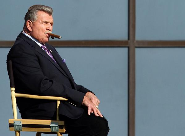 Happy 75th birthday today to @ProFootballHOF player/coach and @ESPNNFL analyst Mike Ditka. #DaCoach http://t.co/nNh3PMH2Oa