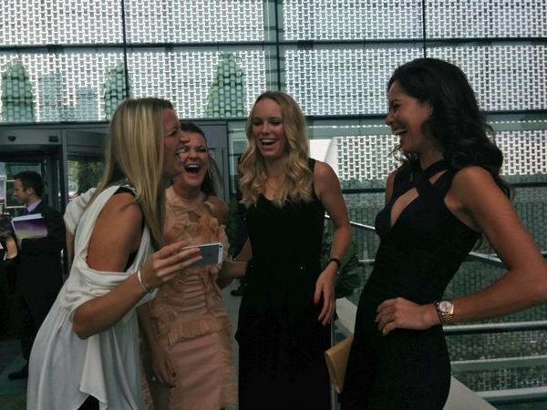 Favourite pic of the day...#WTAFinals @CaroWozniacki @ARadwanska @AnaIvanovic @Petra_Kvitova http://t.co/gZW43XNG6V