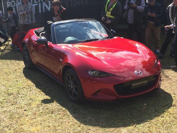 ファンが独自開催しているミーティングに、メーカーが発売前の新型車を持ってくるなんて、前代未聞ですw http://t.co/5dcC7wBPf7