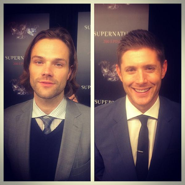 Spoke to these handsome gentlemen tonight. #spn200 #Supernatural #jensenackles @jarpad http://t.co/Yv4L4nG2uh