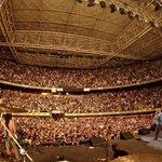 Gracias Medellín por toda la energía! gracias por sudarse todos los coros! foto @Baterisma13 http://t.co/U8sN4kgnID