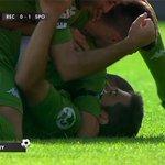 Esta es la piña de un equipo que se crece en la adversidad. Gol de falta de Jony, que adelanta al Sporting en Huelva. http://t.co/45vqxLi0DD