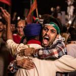 RT @mianfarhanraza: Couldnt stop hugging a Sardar at #AzadiSquare. PTI - Where majority meets minority. #InterFaithHarmonyWithIK http://t.co/yCiU2pQhzu