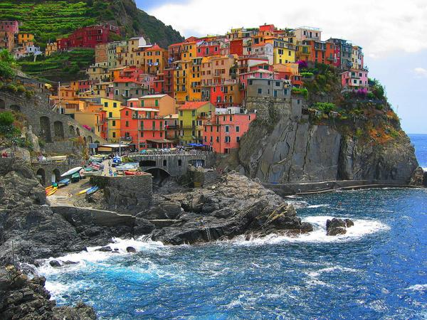 Sulla costa vicino a Genova | A jewel in Italy's already sparkling crown  http://t.co/hrR5GH2MyU #cinqueterre #Italy http://t.co/EZiyhIPzrC
