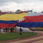 RT @futbolizados: La hinchada de El Nacional muestra una bandera gigante en el Atahualp https://t.co/SabY5hwjHo (@elnacionalec) http://t.co/uNM6TVDjM4
