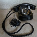 Nothing like the sound of a #vintage phone.Just arrived, and ready to plug in.#Whitby.#style.#interiors.#retro.#talk http://t.co/P0zgYIskT0