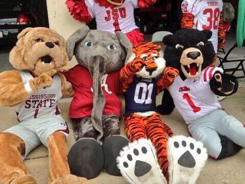 """@mobileauclub: Here's 4 out of 5 of your top AP rankings....all 4 SEC. http://t.co/DpxzSomoox"" That elephant has a scary nose."