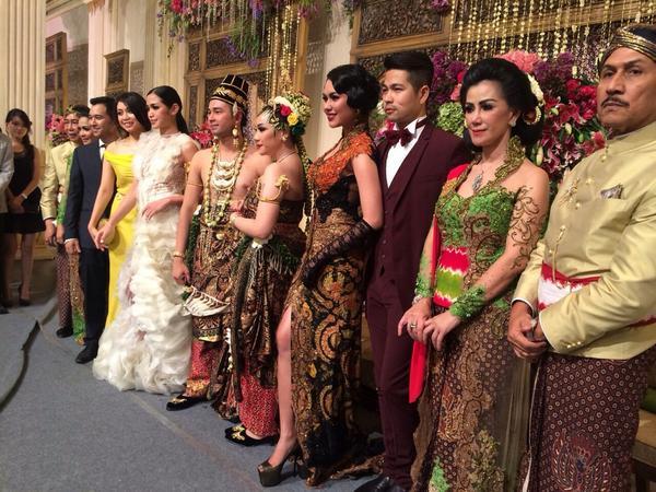 Erick Bana Iskandar (@erickiskandar): Congrats Raffi & Gigi.... http://t.co/4W8VVjDcAL
