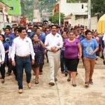 RT @MoverAChiapas1: Nuestro líder moral @enochdez inaugura oficinas del CDM #Sabanilla está #OlaMorada nada lo detiene! #JuntosEsPosible http://t.co/PIQEVeyXrc