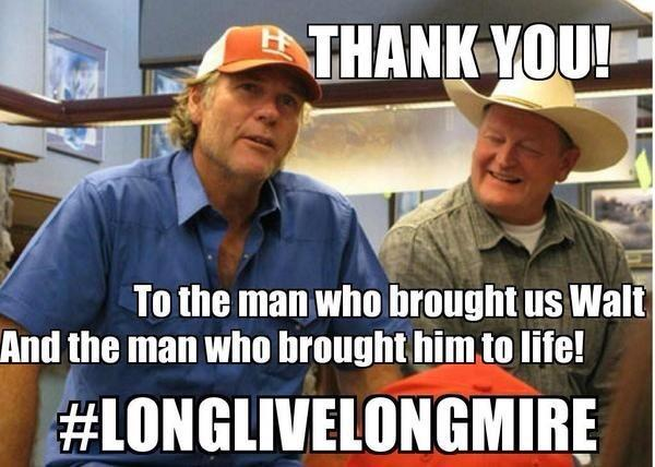 """Based on that red hat, I do believe I took this picture! Ha! RT @carolhodo: @ucrosspop25 #LongLiveLongmire http://t.co/7b6Mcnf7uK"""""""