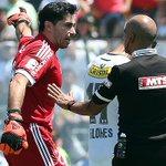 "RT @LaMagiaAzul: Johnny Herrera dispara contra Felipe Flores: ""Es un 'chipamogli' jugando fútbol"" http://t.co/h5jIIrPj0s http://t.co/c59cXTzrgD"