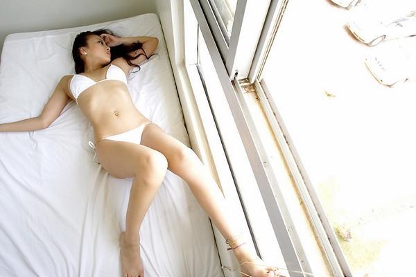 test ツイッターメディア - あびる優のセクシー画像。スレンダーで美しい体。時に可愛いらしく、時に野生的なルックスとスレンダーな体が魅力的です。https://t.co/P1QNEiWC5t