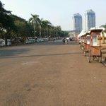 09.26: Berbagai gerobak makanan sudah disiapkan di sekitar area monas menyambut acara #SyukuranRakyat http://t.co/OG5ChTby3w
