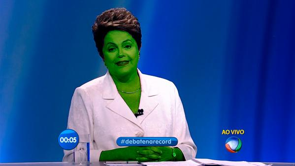 "Kkkkkkk @tuulio: A cor da Dilma no próximo bloco http://t.co/i9Sb827yqi"""