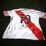 RT @CARPoficial: Para participar por la camiseta que usó @TeoG29 mencioná a @CARPoficial con el tag #CamisetaTeoCARPoficial: http://t.co/oUIvdRcPRS